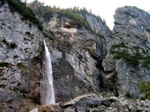 Cascata-delle-Comelle-Valle-di-Gares-CF04